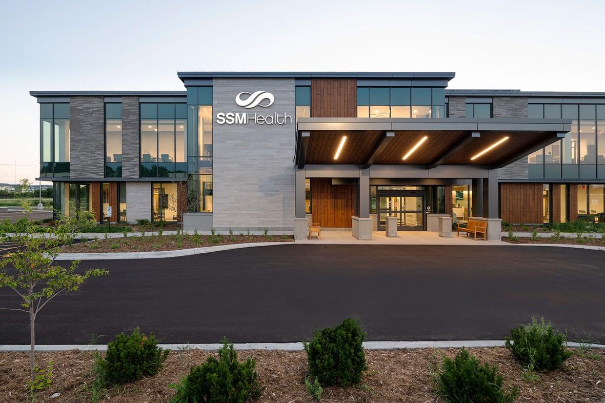 SSM Health's Beaver Dam Clinic facade entrance shown as a result of a C.D. Smith Construction WELL Building experience