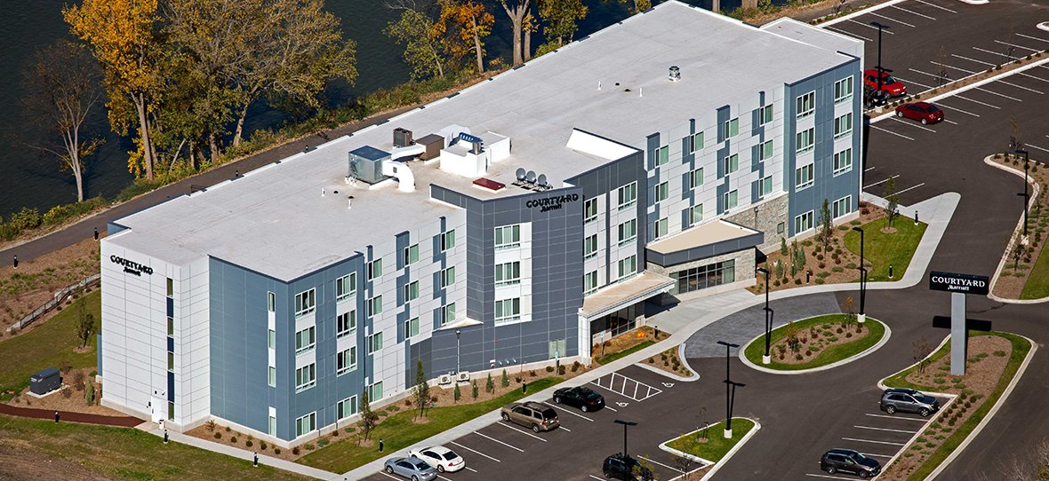 C.D. Smith Construction was hired as Construction Manager for the Courtyard by Marriott Appleton Riverfront located in the RiverHeath development. The new facility offers convenient hotel access to business travelers in the Fox Valley, Wisconsin.