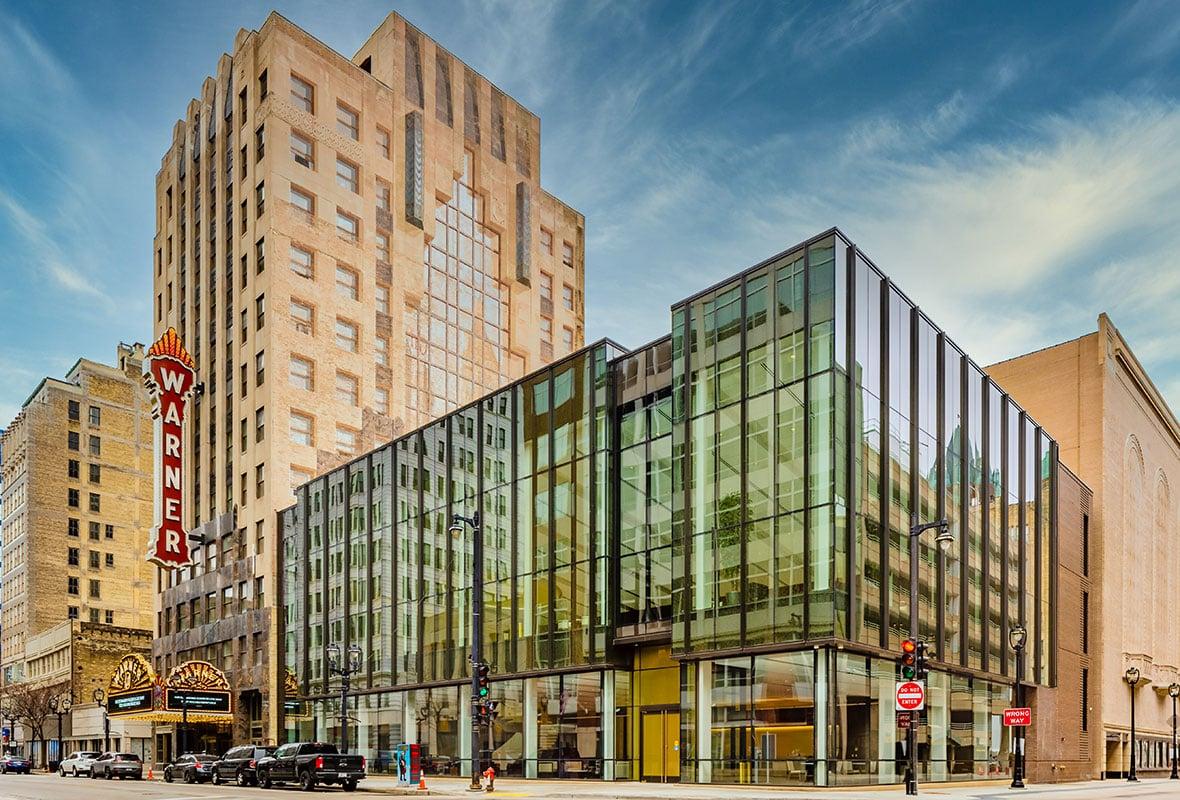 Milwaukee Symphony Orchestra Warner Grande Theatre historic building & modern building construction - Bradley Symphony Center