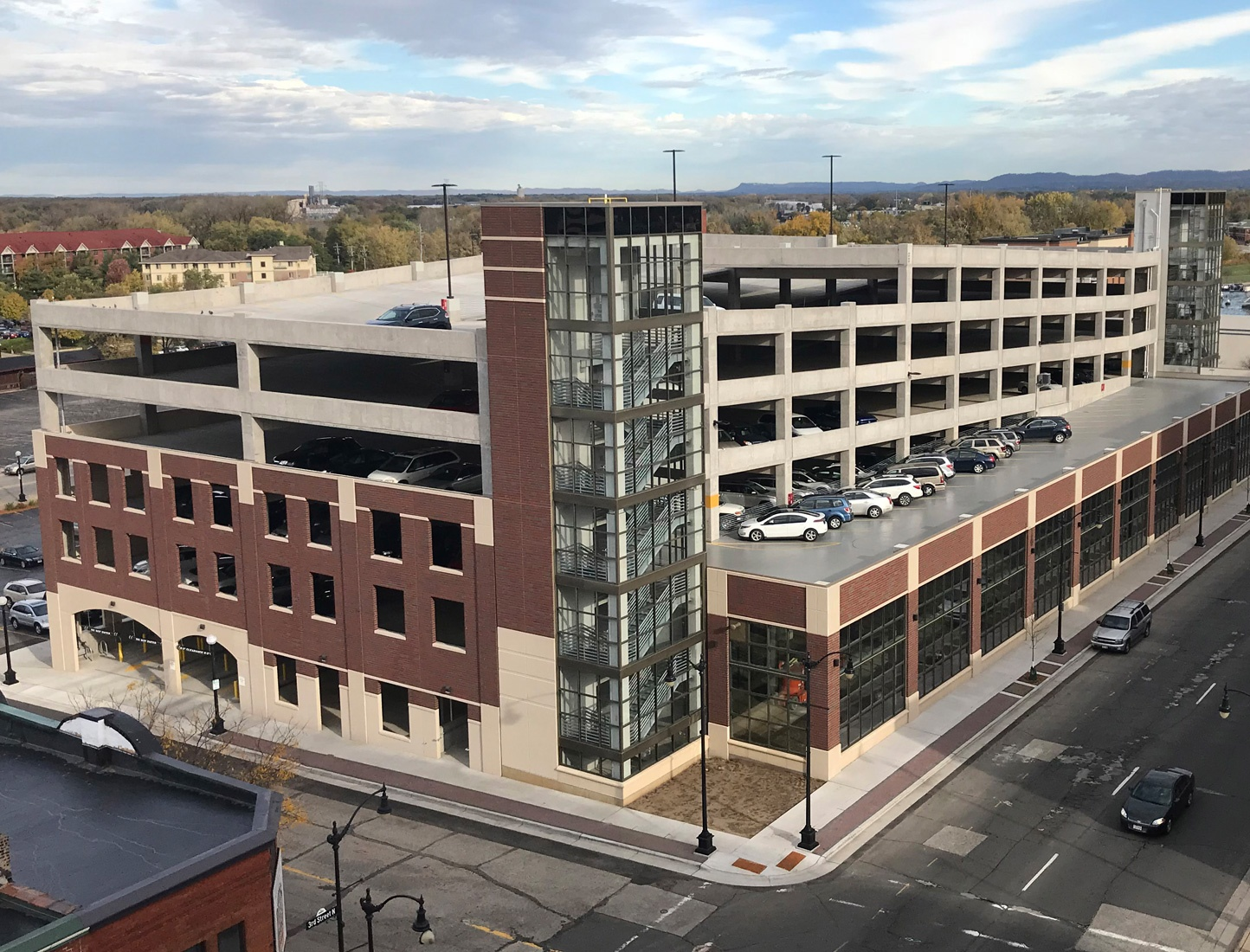 parking-garage-construction-Pine-Street-La-Crosse