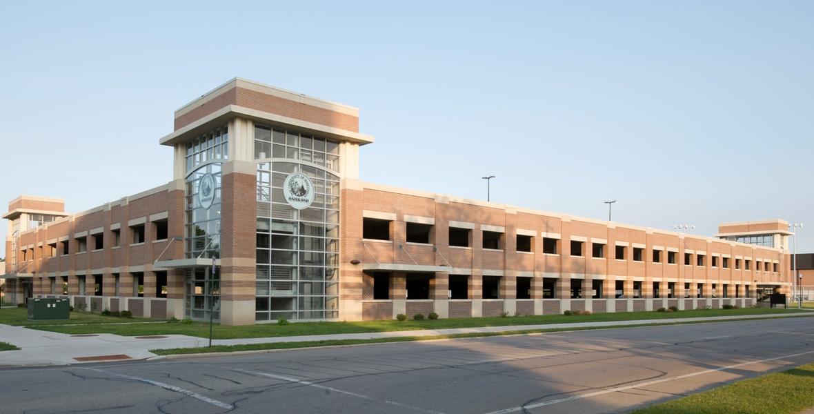 parking-structure-construction-UW-Oshkosh